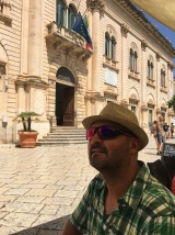 Leo outside Inspector Montalbano's office in Scicli